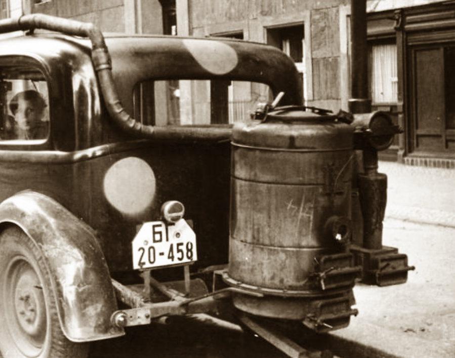 Auto mit Holzvergaser, 1946 | Quelle: Bundesarchiv Bild 183-V00670A, Berlin